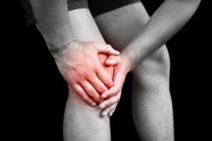 лечить ушиб колена при падении