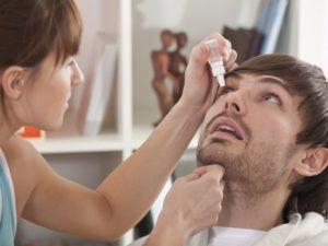 первую помощь при ушибе глаза