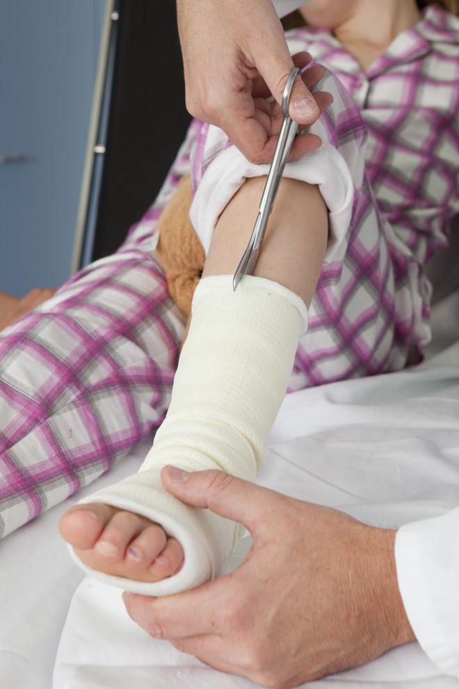 Трехлодыжечный перелом со смещением и без: лечение, операция ...