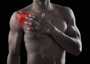 Как лечить боли в плечевом суставе при поднятии руки