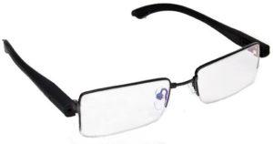 Контактные линзы или очки: что лучше?