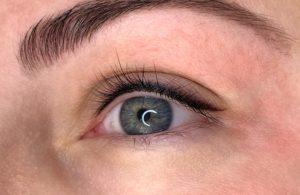 Перманентный макияж: плюсы и минусы, особенности